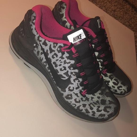 dc266f00a8e Cheetah Print Nike Sneakers. M 5c3969369519963fdff68383